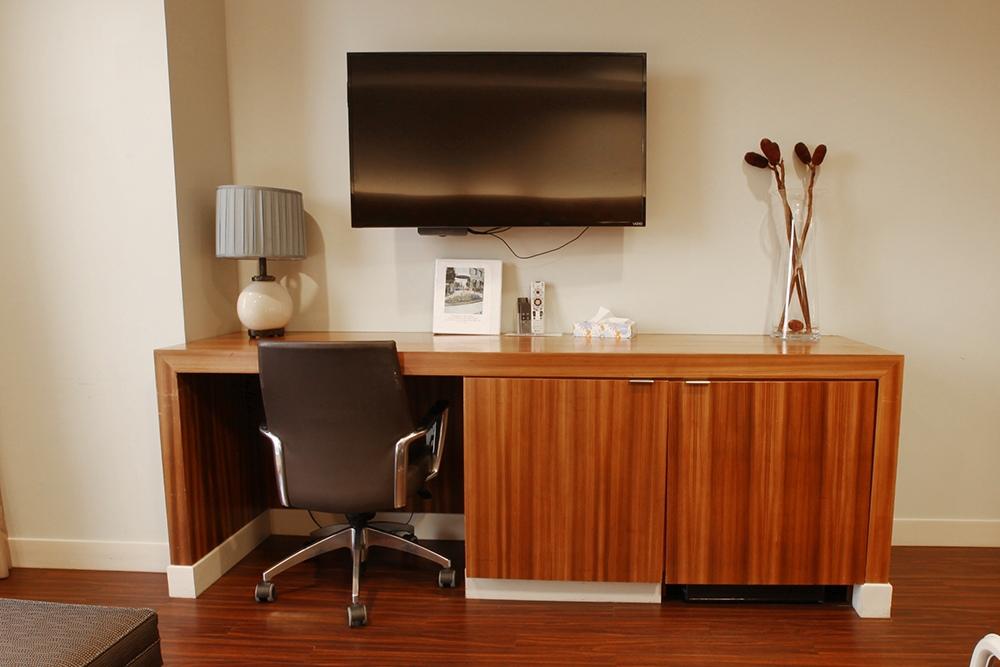 Cloister Guest Desk
